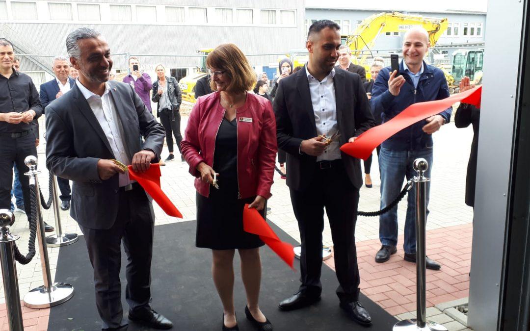 Eröffnung Autohaus Yaans in der Mühlenstraße